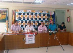 Firma del Ayuntamiento de convenios con el Balonmano nava y con La Faisanera Golf