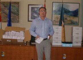 Medidas COVID19: El Ayuntamiento de Palazuelos de Eresma reparte mascarillas y gel hidroalcoholico a los vecinos