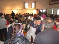 Más de trescientas personas participan en la III matanza popular de Palazuelos de Eresma